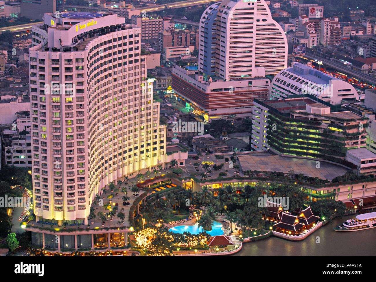 Shangri La World Hotel