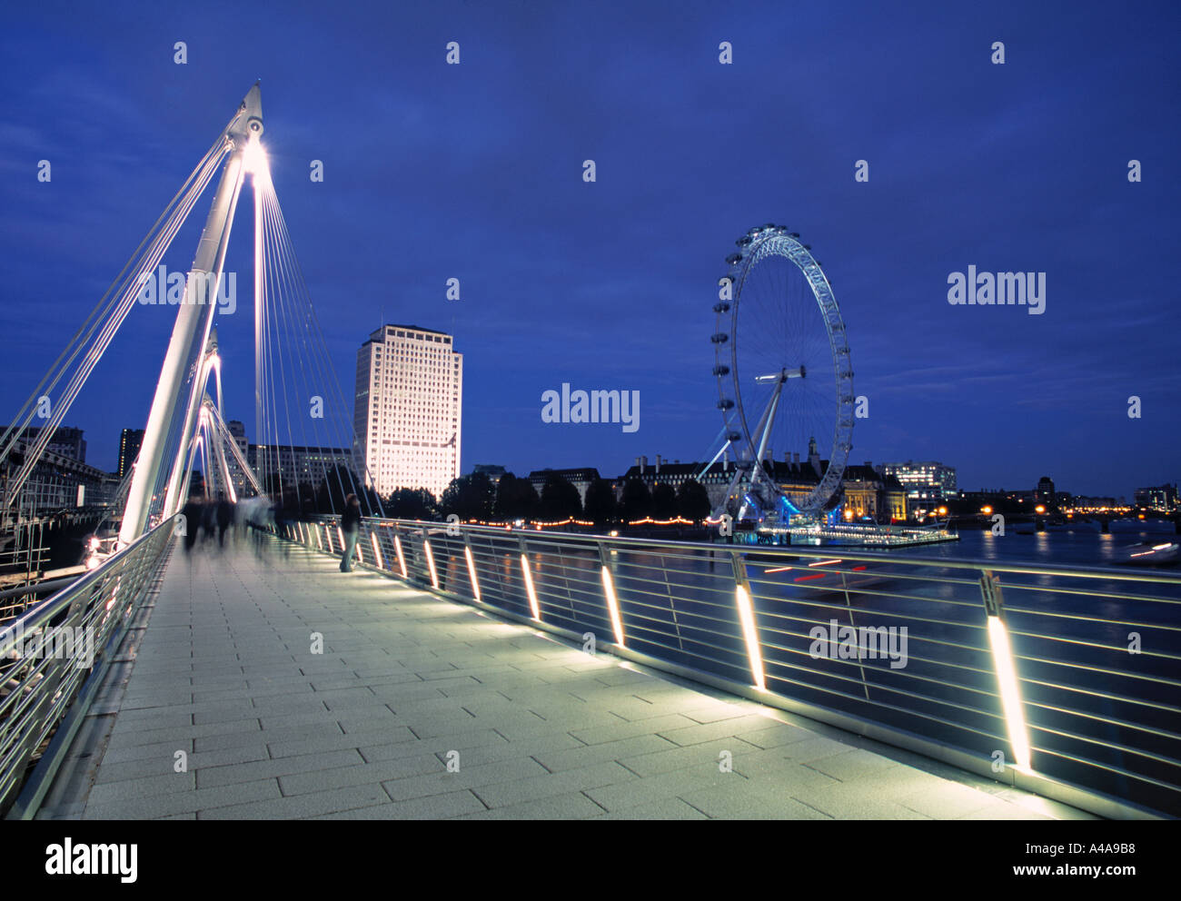 Hungerford Bridge, London, England - Stock Image