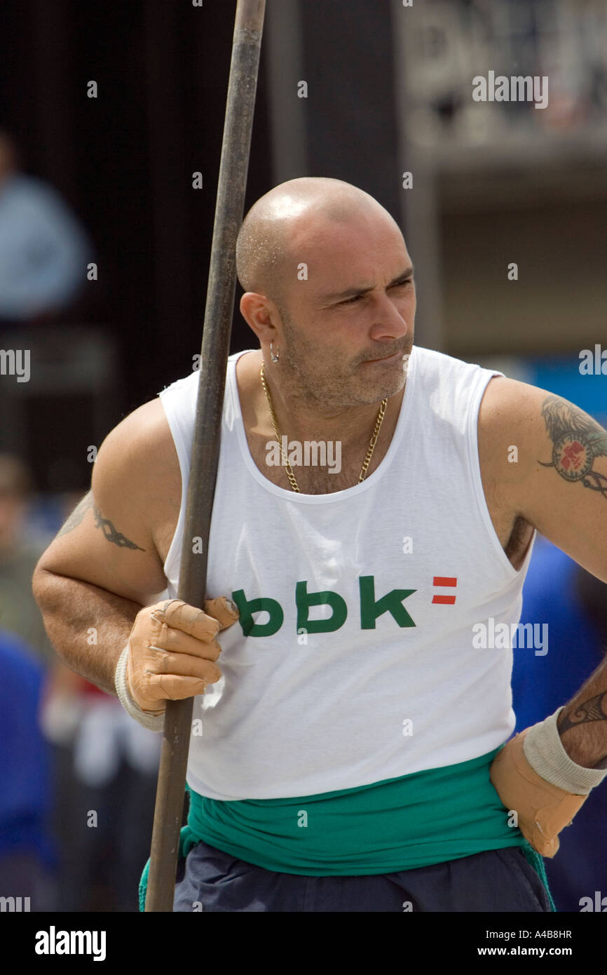 Barrenador (stone drilling) competitor resting, Basque Strongman