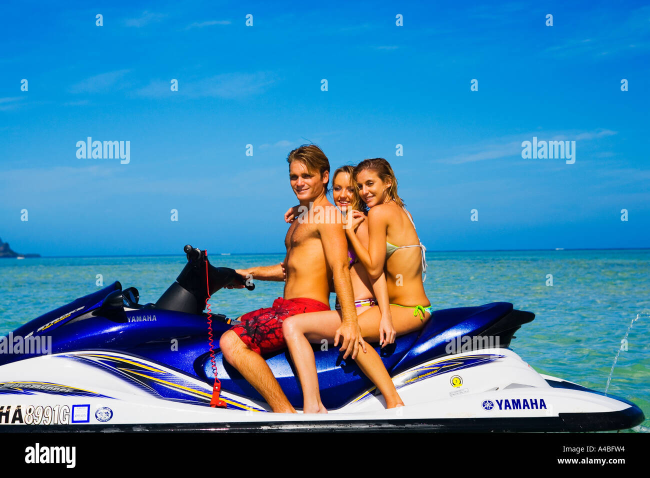 vacationers at the sandbar in kaneohe bay - Stock Image