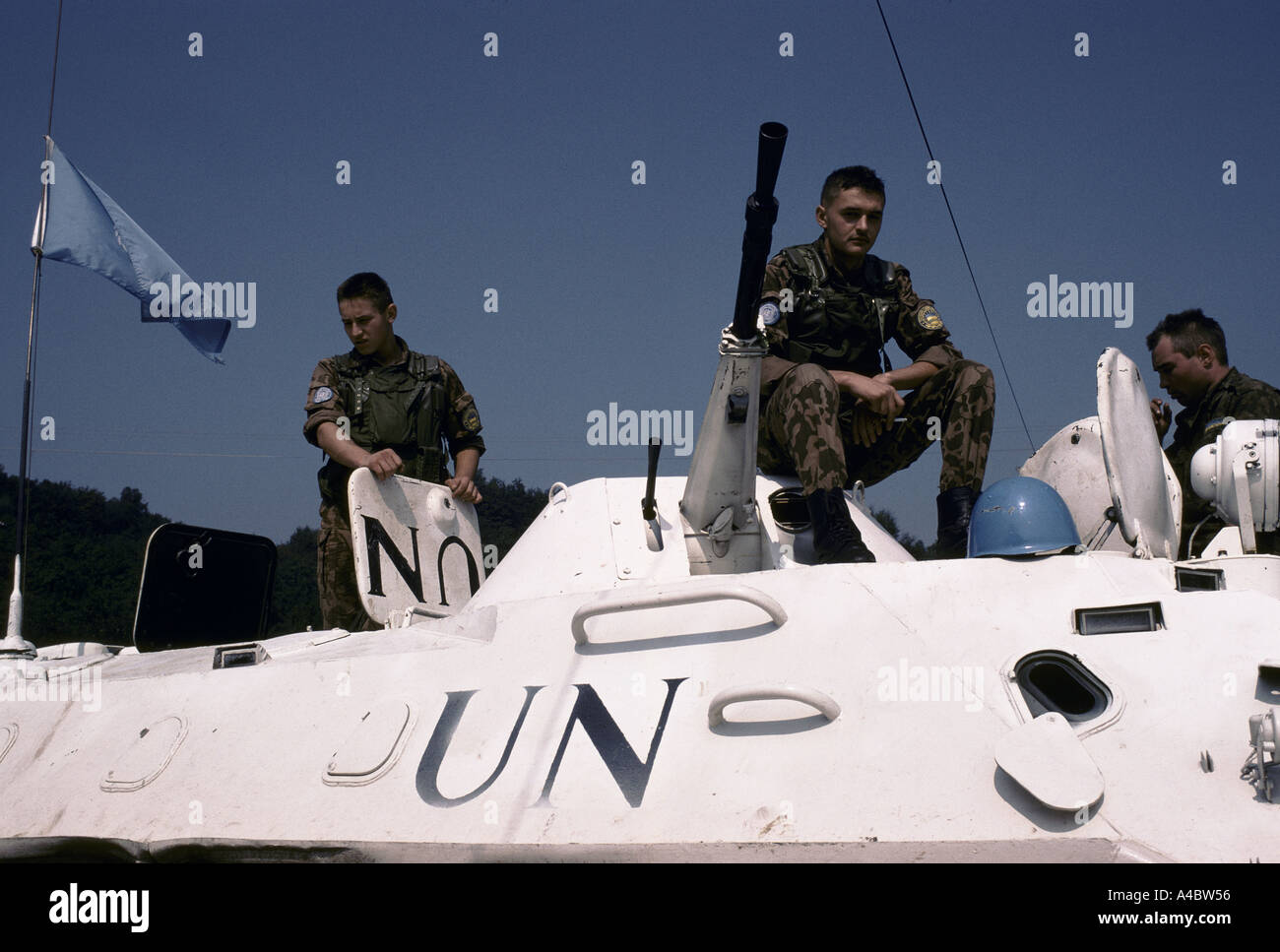 Russian UN troops near Lukavica barracks monitor Bosnian Serb artillary positions,  Sarajevo September 1992 - Stock Image