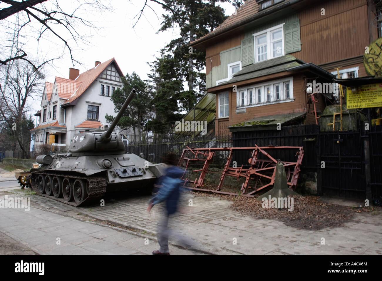 POLAND, SOPOT, 26.12.2006. Tank T34 in front of Villa Bekin Stock Photo