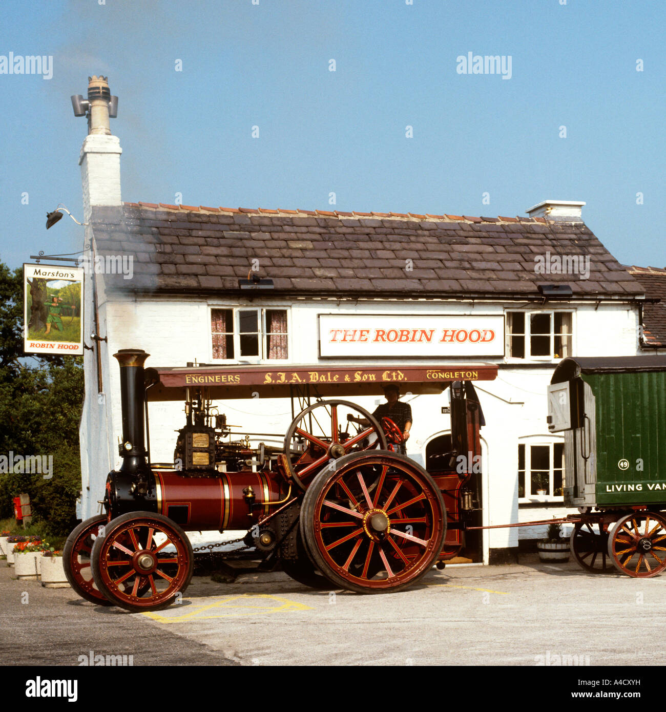 UK Cheshire Congleton Traction Engine outside Robin Hood pub - Stock Image