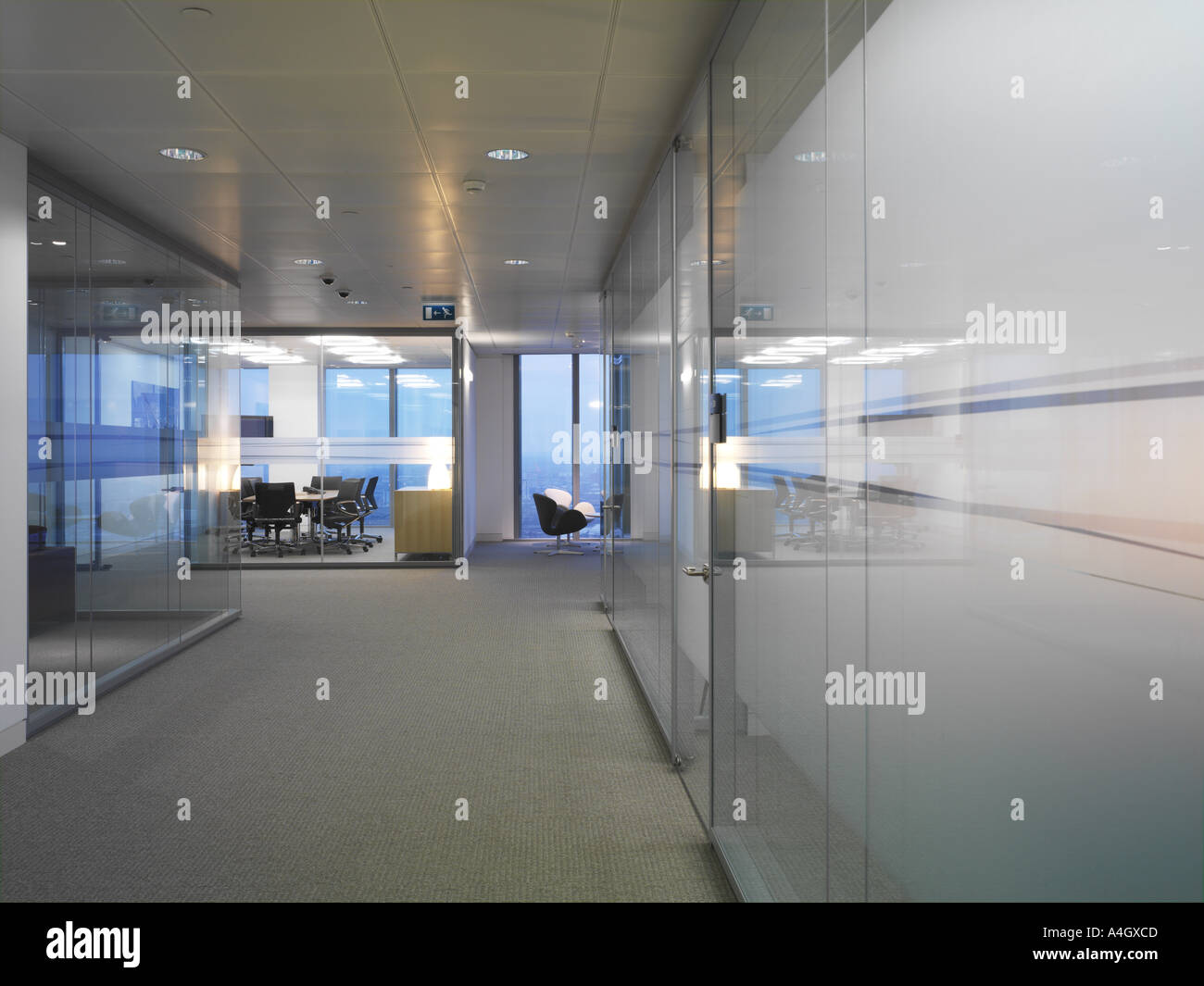 BARCLAYS CANARY WHARF, LONDON, UK Stock Photo: 3607244 - Alamy
