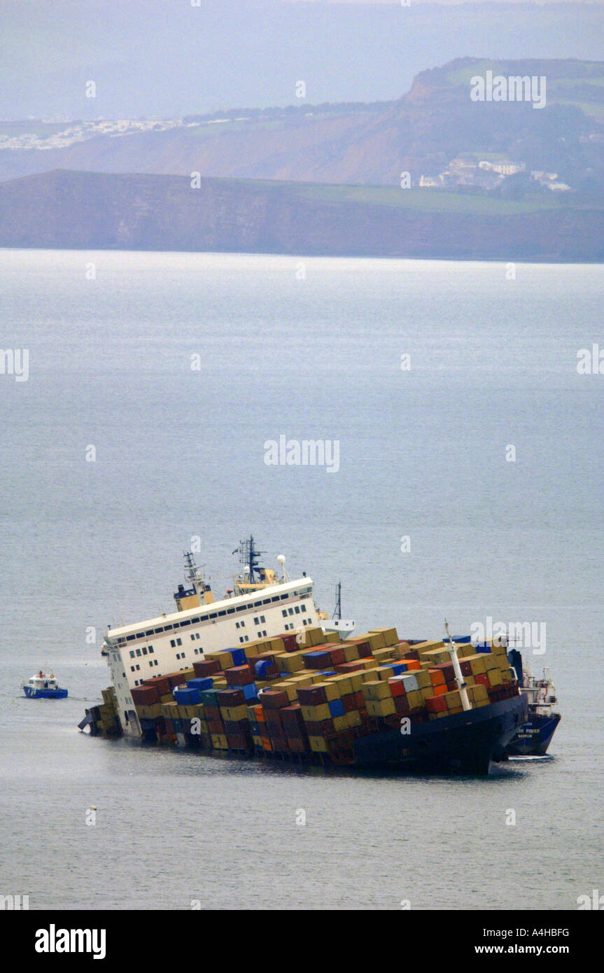 Sinking Ship Stock Photos & Sinking Ship Stock Images - Alamy