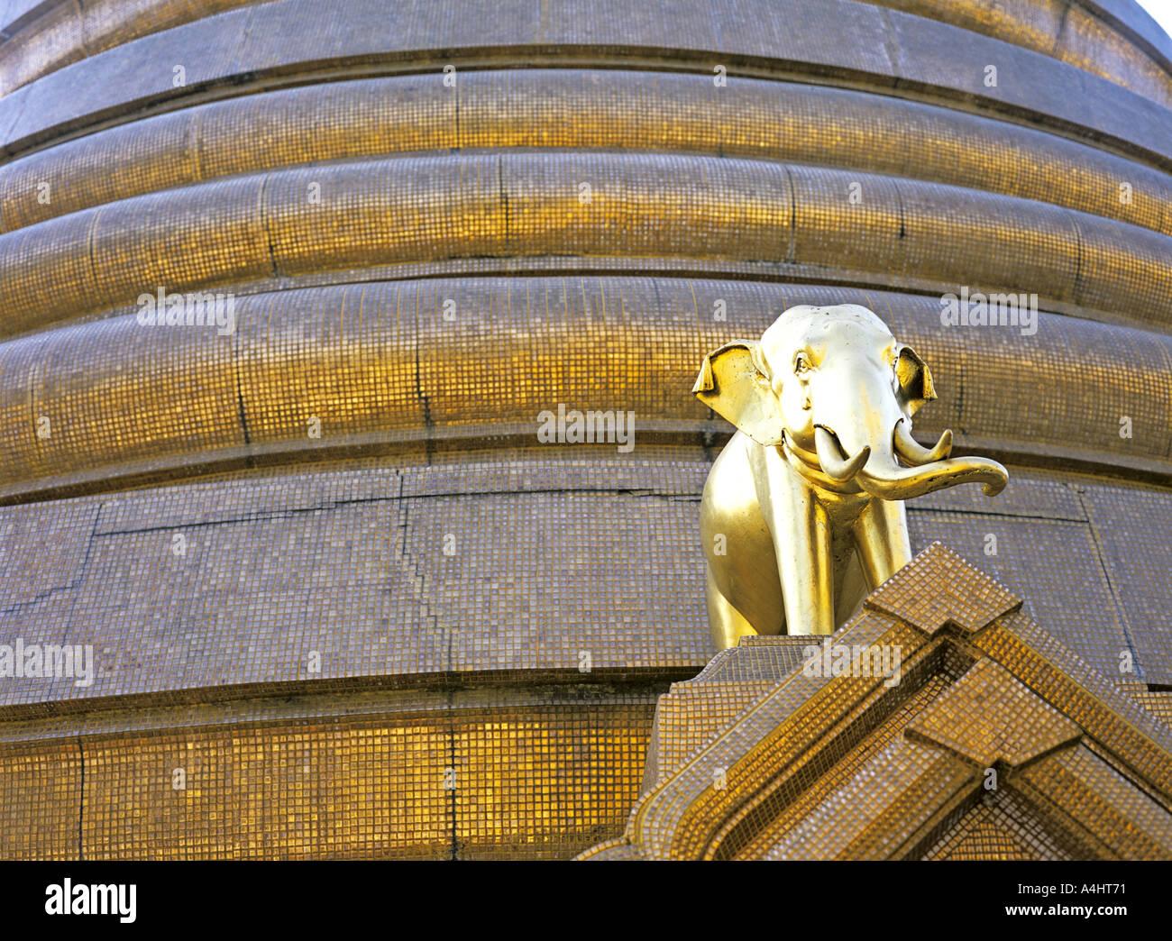 elephant outside buddhist temple or wat - Stock Image