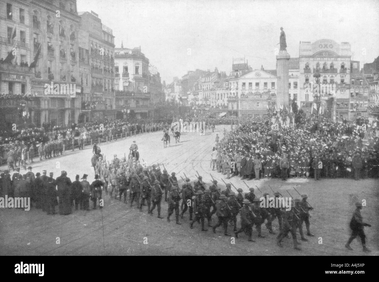 Lille being liberated by the British 5th Army, France, 17 October 1918. Artist: Unknown - Stock Image