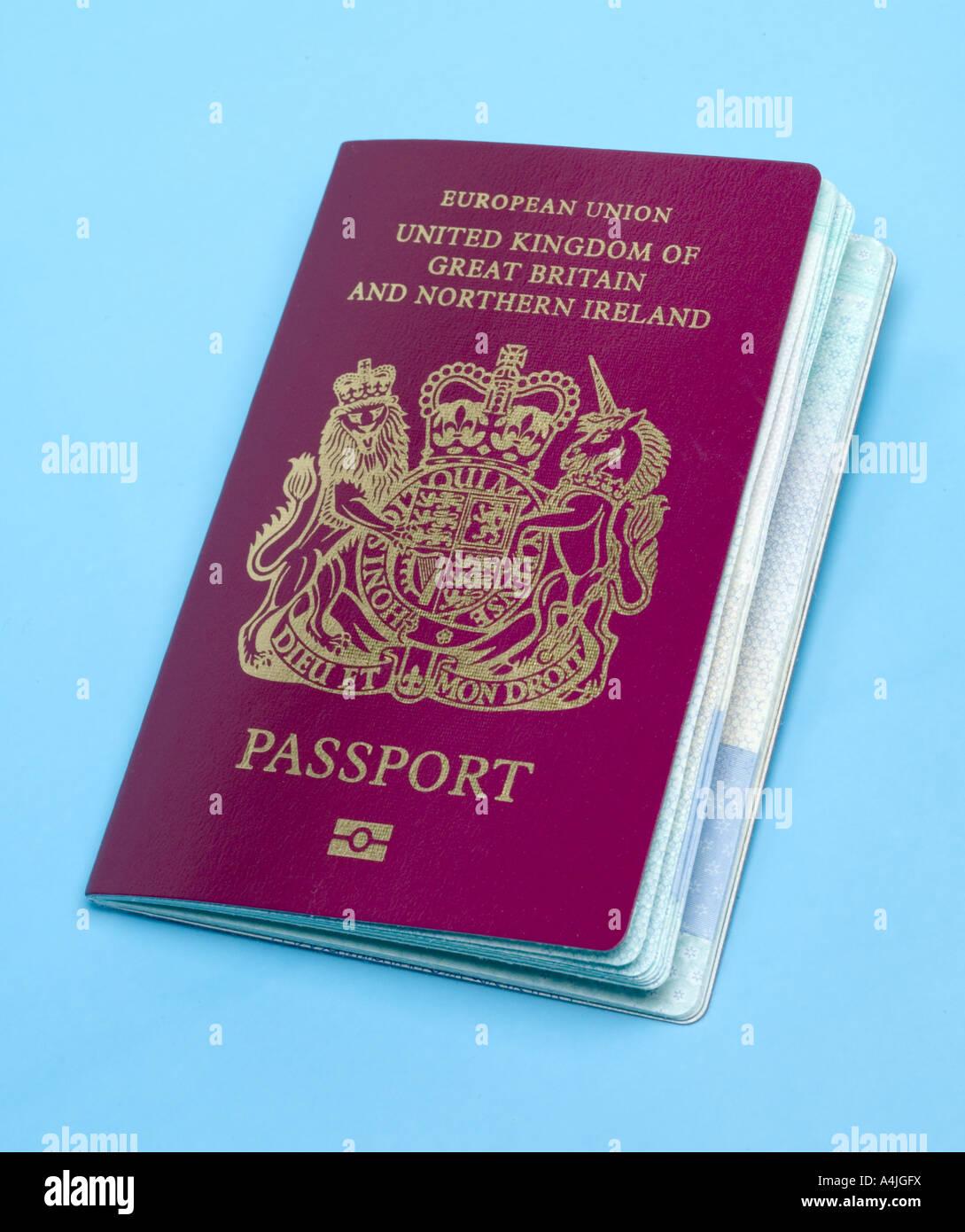 2007 new style British passport with biometric chip - Stock Image