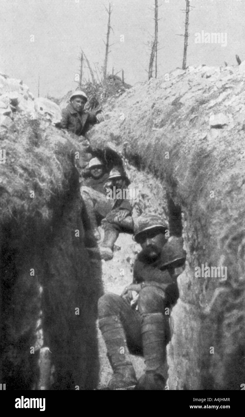 Stretcher bearers in a trench south of Cornillet First World War 20 May 1917  - Stock Image