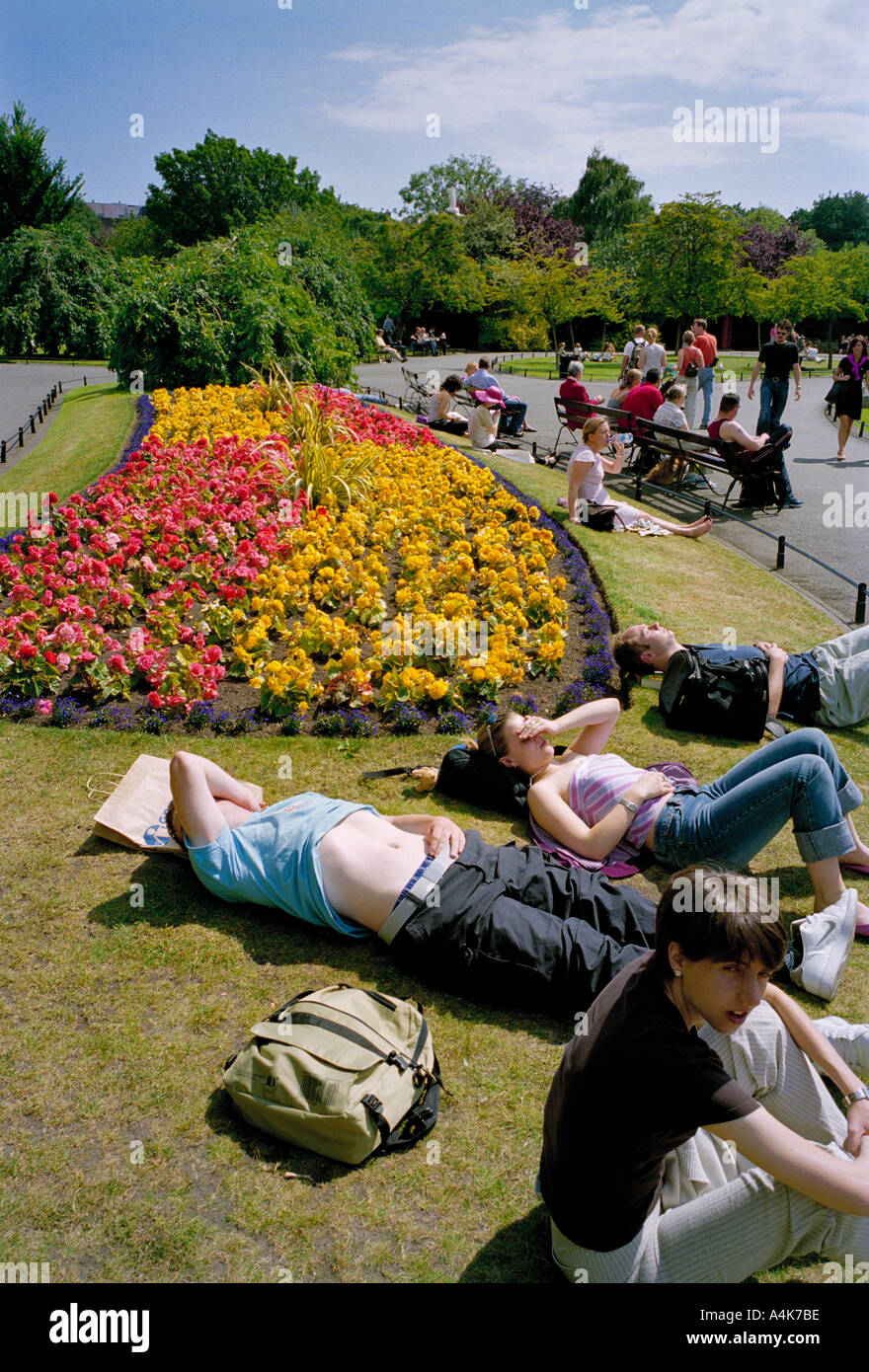 On a hot summer day St. Stephens Green, in the centre of  - Dublin, Ireland is a place to relax and cool off - Stock Image