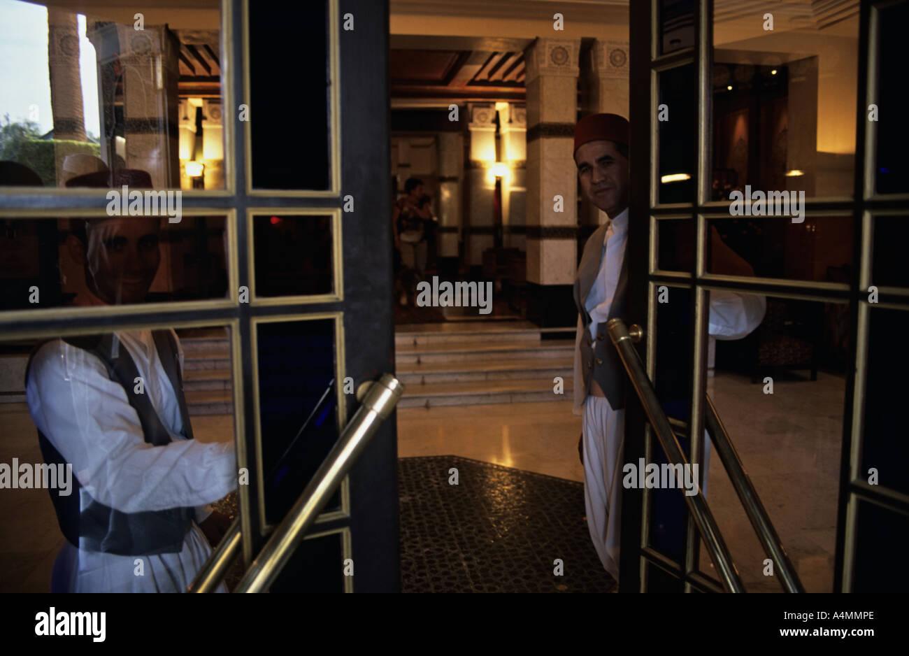 5 star hotel doorman stock photos 5 star hotel doorman stock images alamy. Black Bedroom Furniture Sets. Home Design Ideas