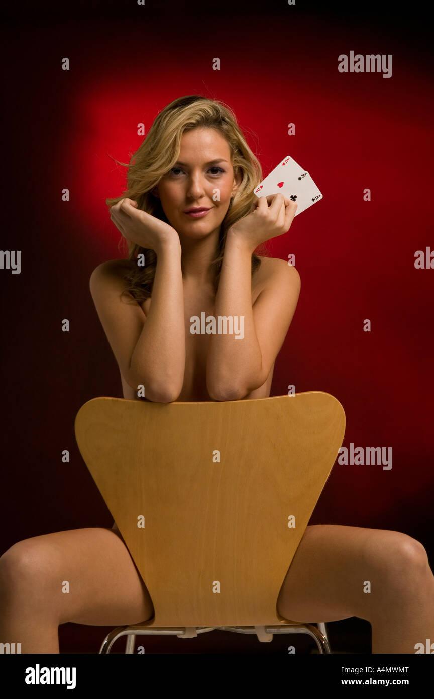 Nude girls strip poker games