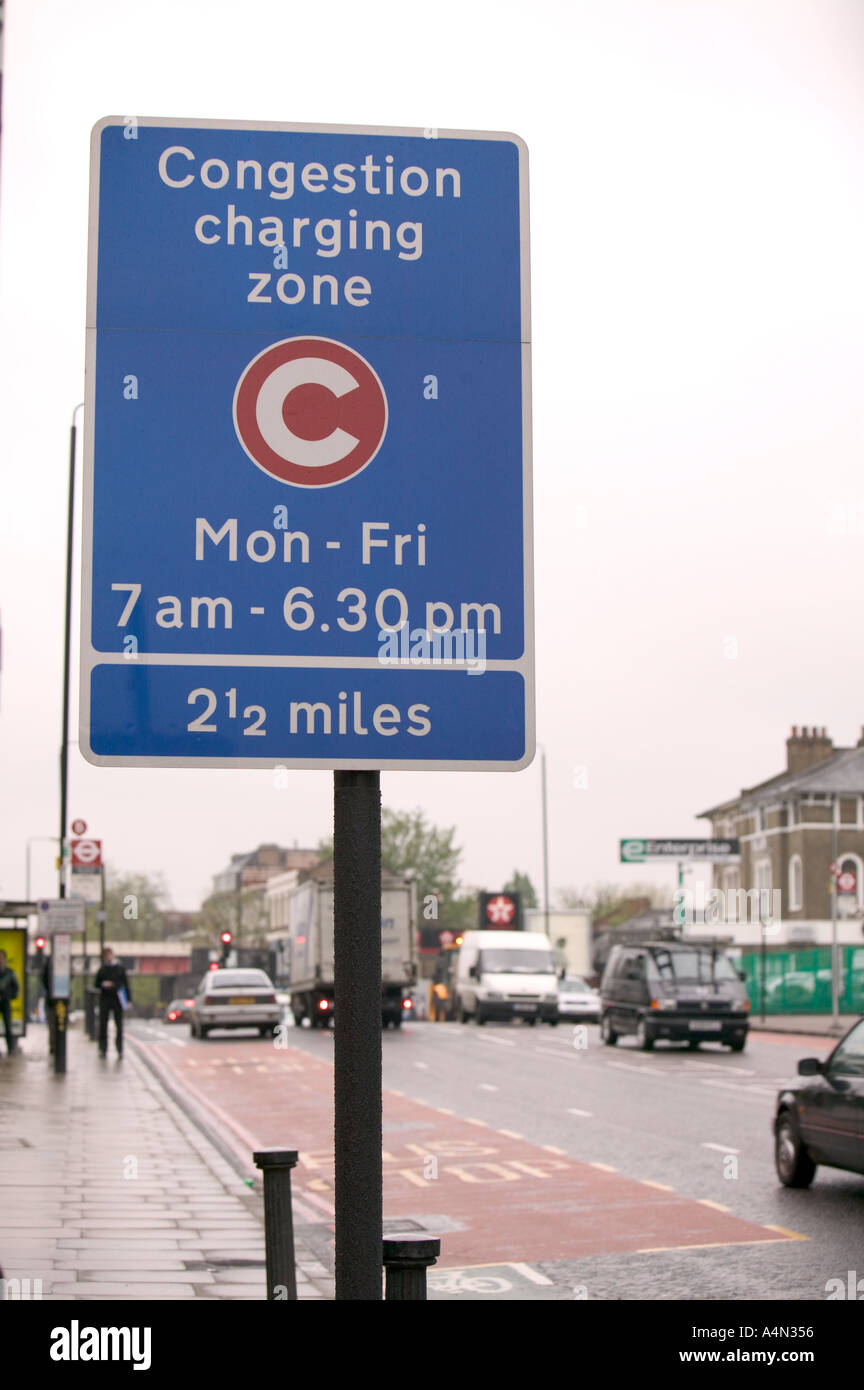 Congestion charging zone sign - Stock Image