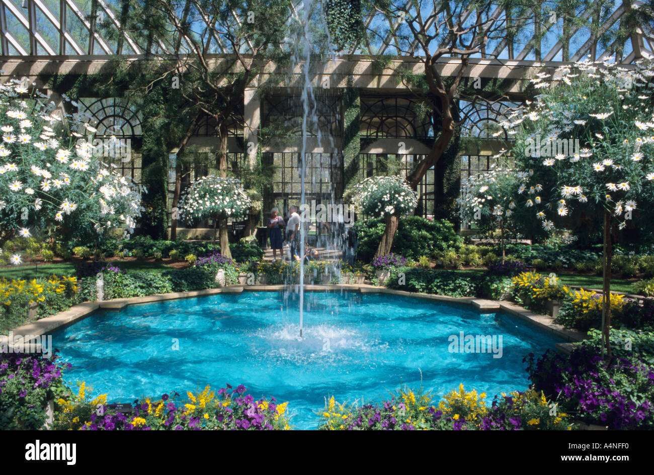 Glasshouse With Fountain At Longwood Botanical Gardens ...