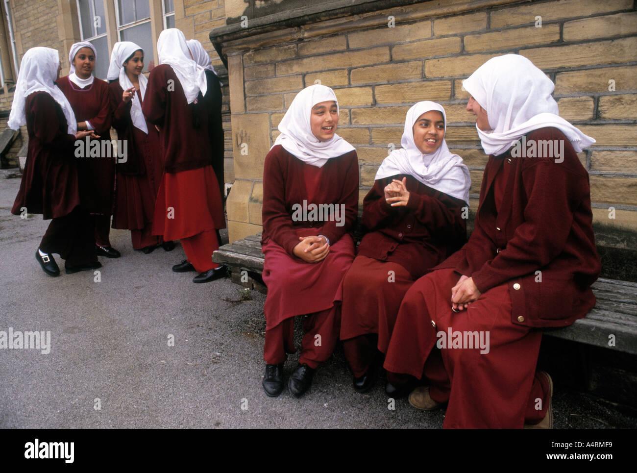 Girls bradford pakistani Pakistani Muslim