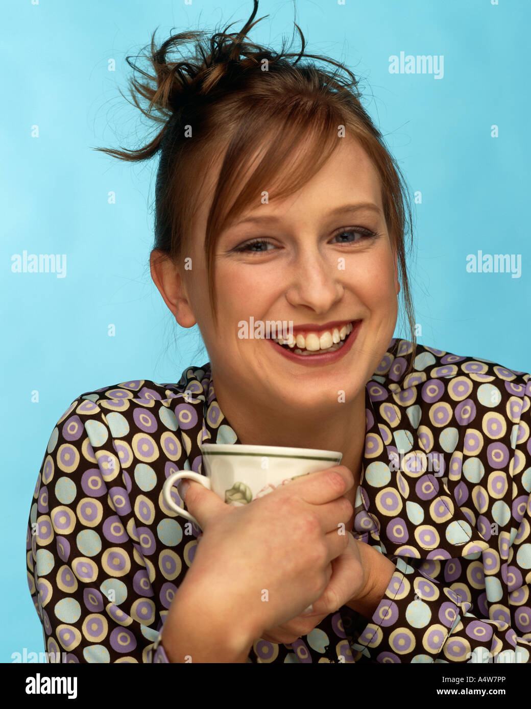 MICHELLE NORTON IN PATTERNED TOP WHITE PATTERNED CUP - Stock Image