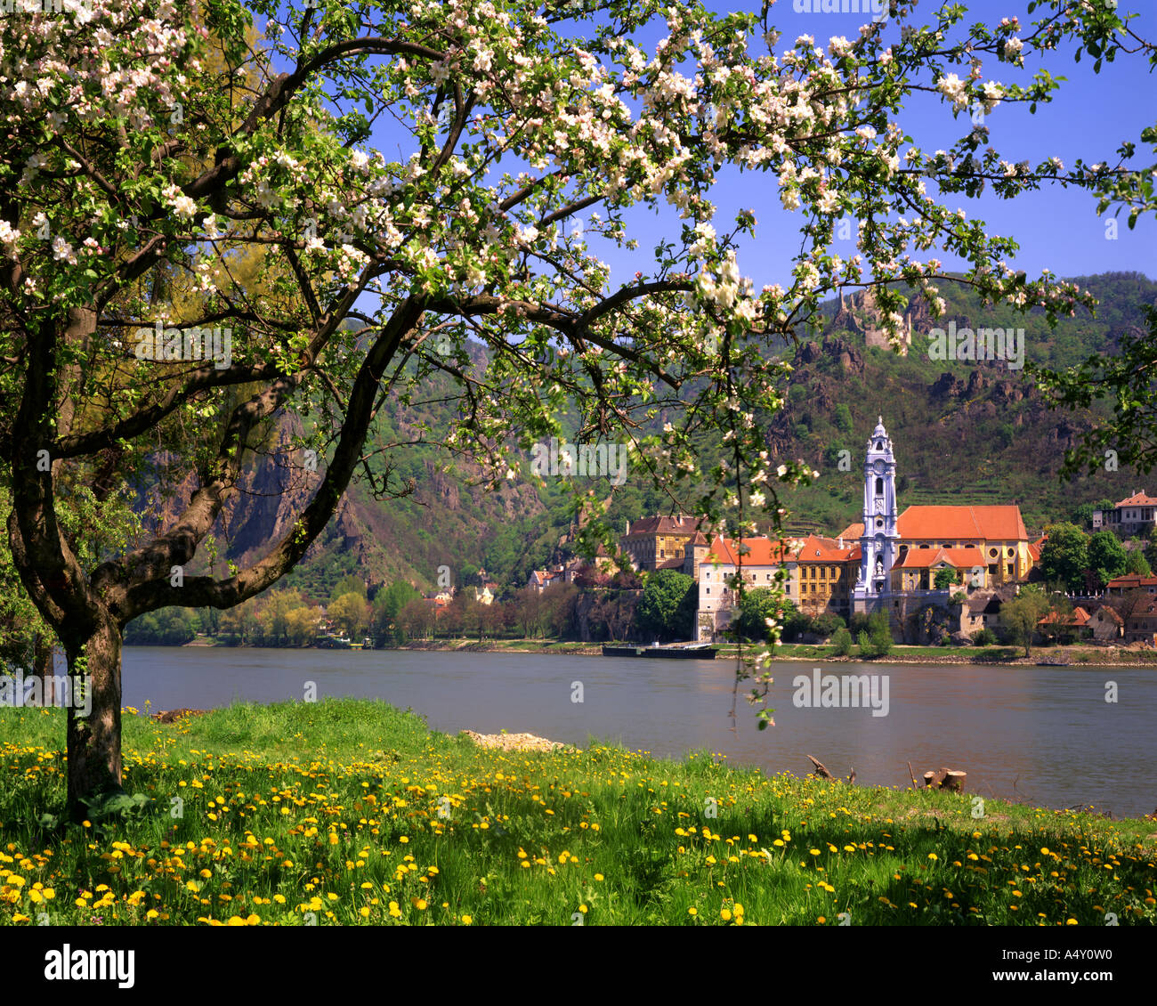 AT - LOWER AUSTRIA:  Dürnstein and River Danube - Stock Image