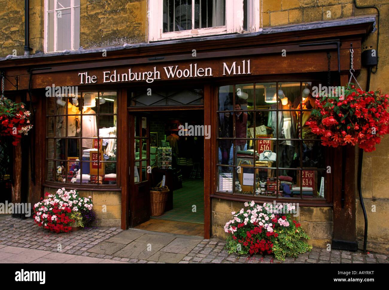 Storefront Store Gift Shop Shop Shopping The Edinburgh Woollen Stock Photo Alamy