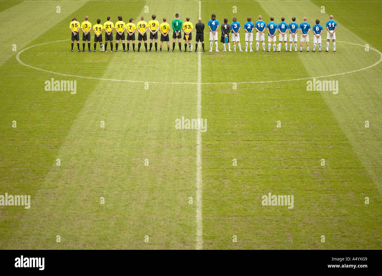 Football teams on pitch - Stock Image