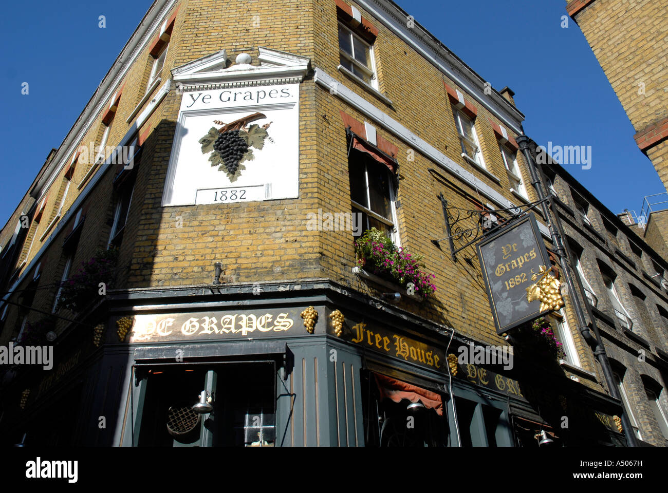 The Grapes pub in Shepherds Market London - Stock Image