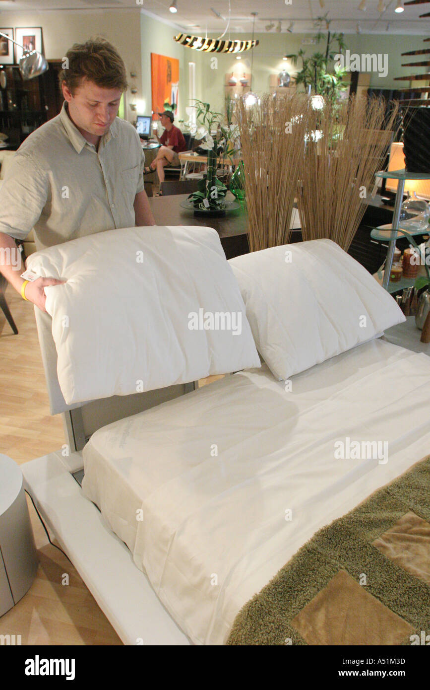 Miami Florida South Dixie Highway Furniture Store Italian Made Platform Bed  Salesman Demonstration
