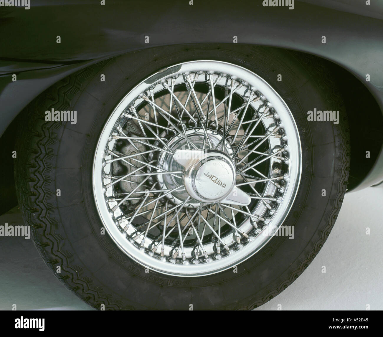 Chrome Wire Wheels Stock Photos & Chrome Wire Wheels Stock Images ...