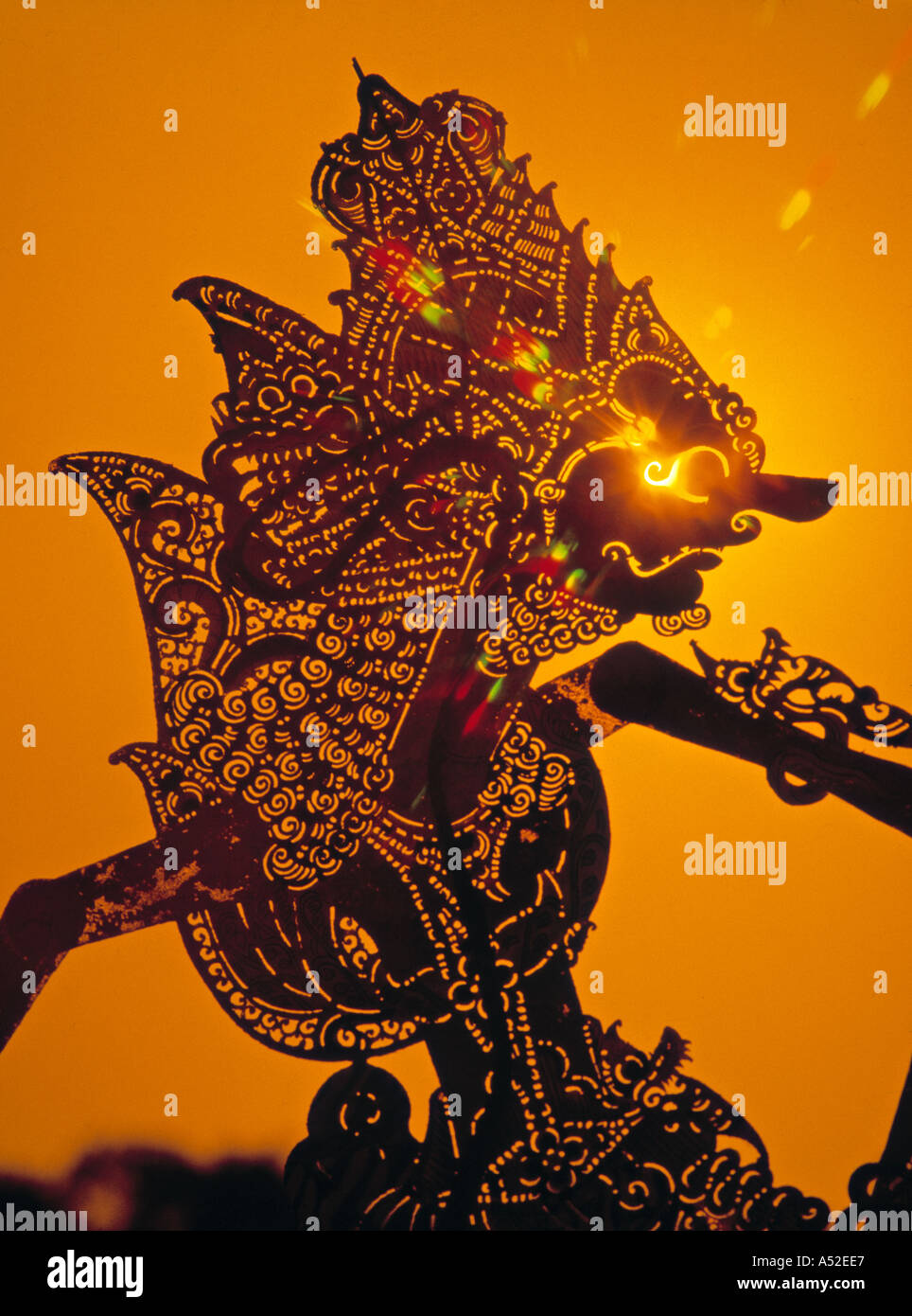 leather wayang kulit shadow puppet indonesia stock photo alamy https www alamy com leather wayang kulit shadow puppet indonesia image339687 html
