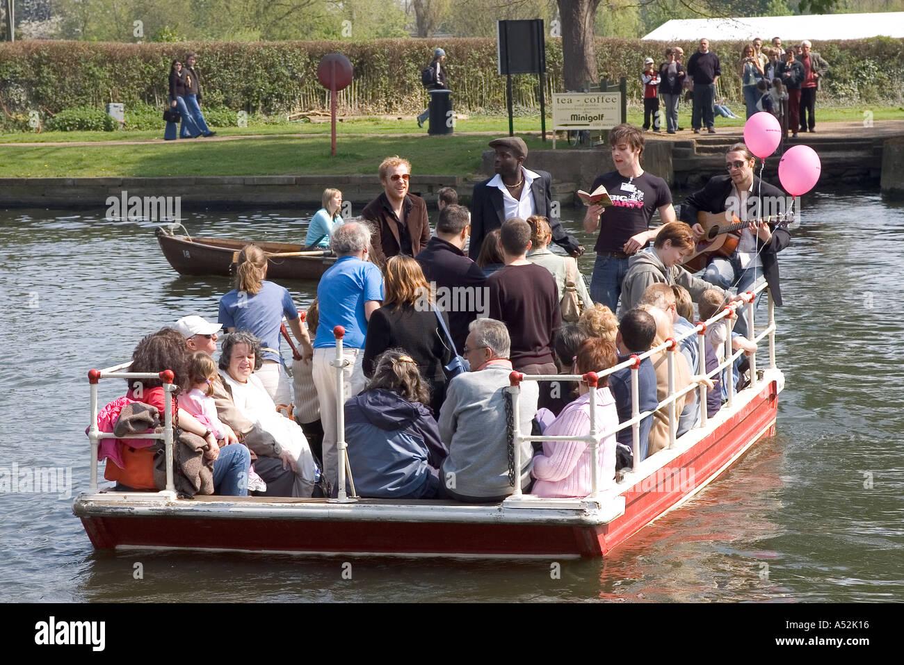 england midlands warwickshire STRATFORD UPON AVON river avon chain ferry - Stock Image