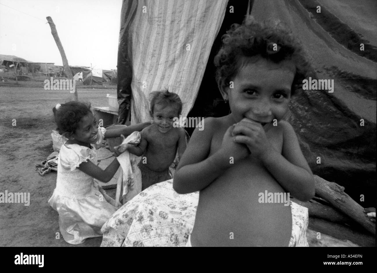 Painet hn2001 638 black and white hurricane mitch children used live shores lake managua destroyed homes settled Stock Photo