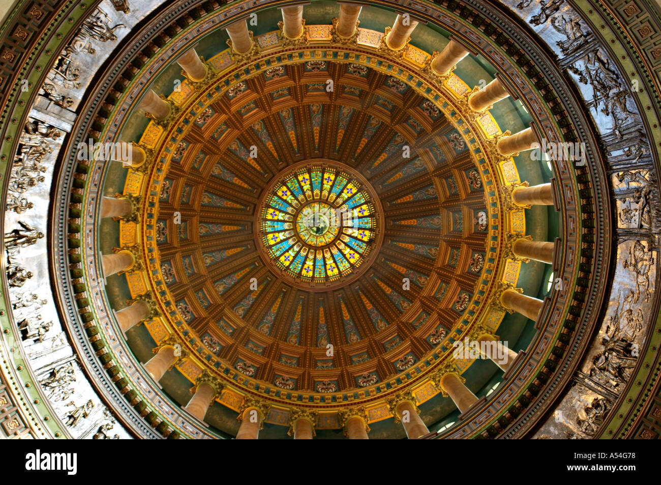 ILLINOIS Springfield Interior of State Capitol building stained glass and columns in dome - Stock Image
