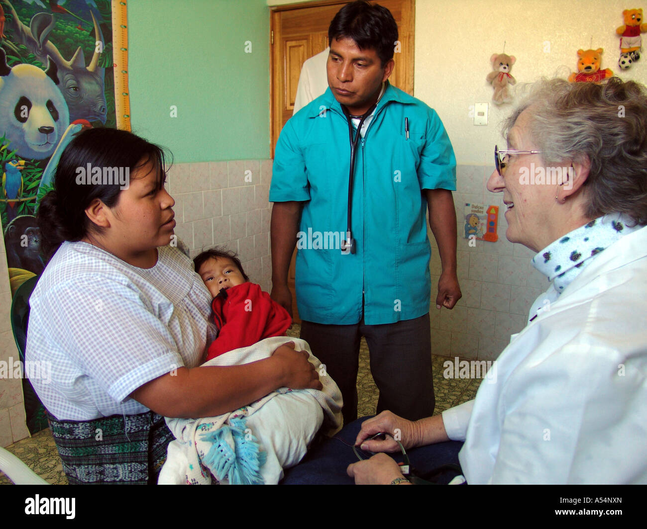 Painet ip1727 guatemala nurse liz remily right attending patients clinic santa clara laguna country developing nation - Stock Image