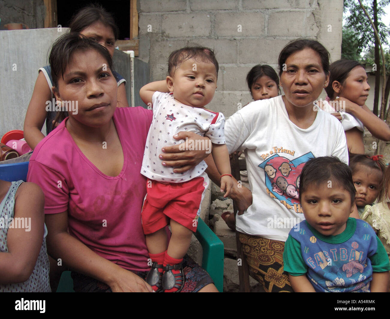 Painet ip1893 honduras single mothers children san pedro sula country developing nation less economically developed - Stock Image