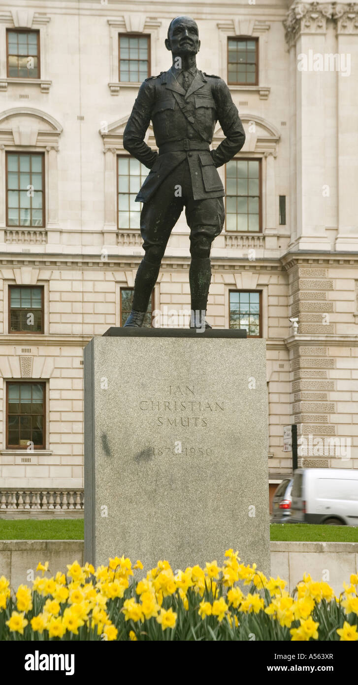 England. London. Jan Smuts statue in Parliament square - Stock Image