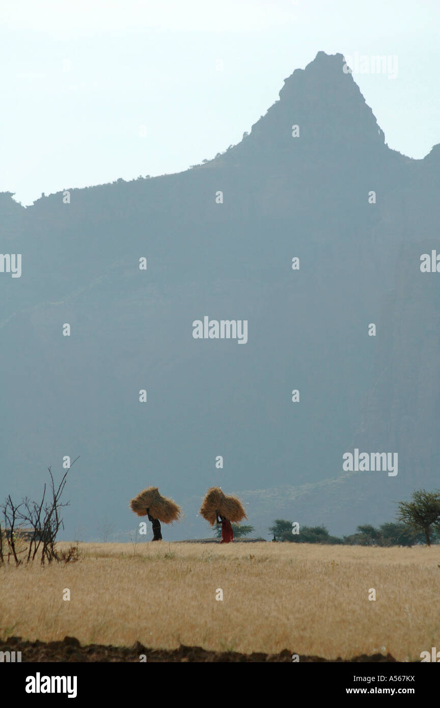 Painet iy7838 ethiopia landscape mountains village ghiraltar tigray photo 2004 country developing nation less economically - Stock Image