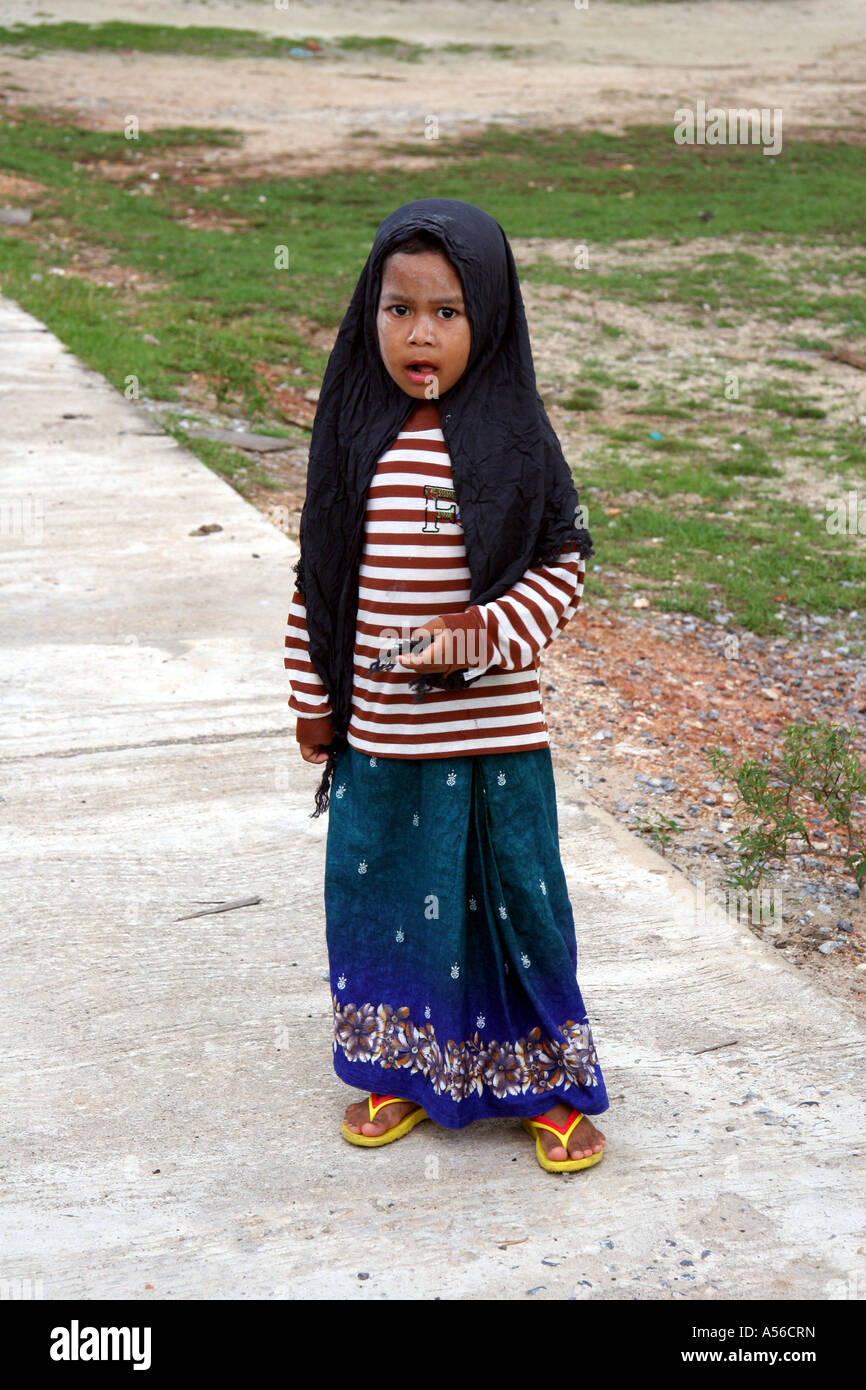 Painet iy8385 thailand moslem girl kid child pattani photo 2005 country developing nation less economically developed - Stock Image