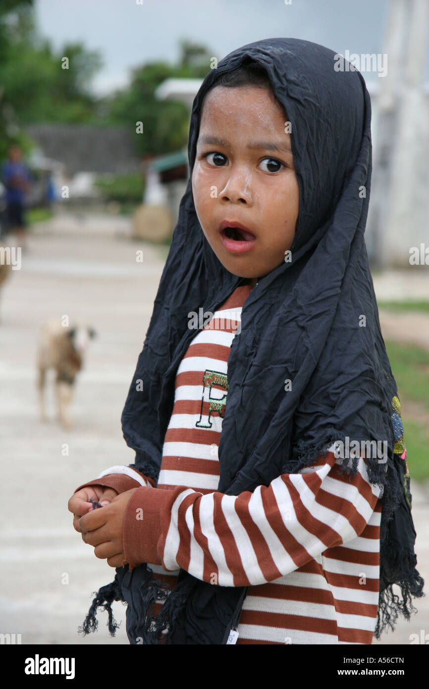 Painet iy8386 thailand moslem girl kid child pattani photo 2005 country developing nation less economically developed - Stock Image