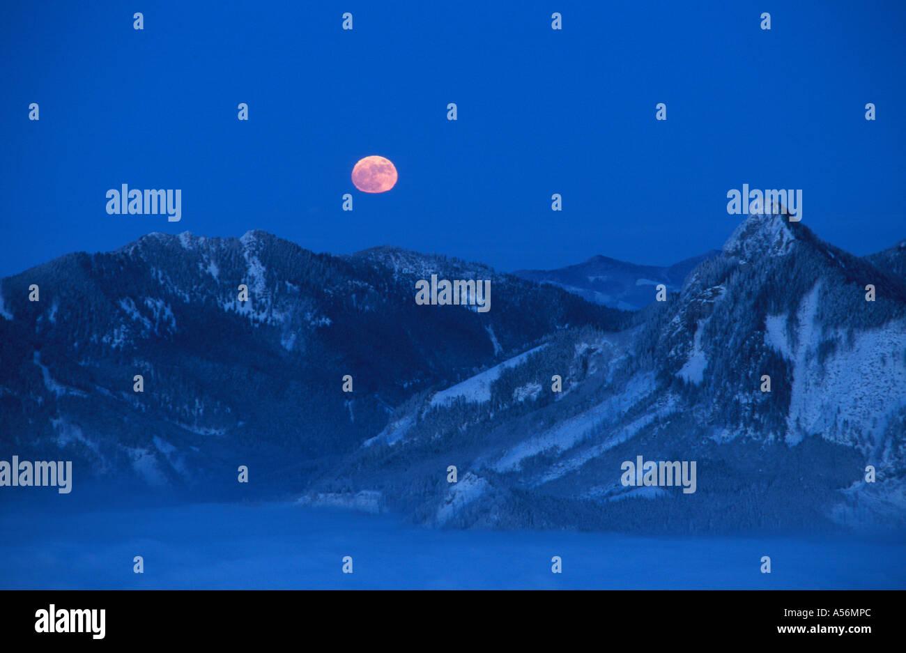 Moonrise Traunsee Austria - Stock Image