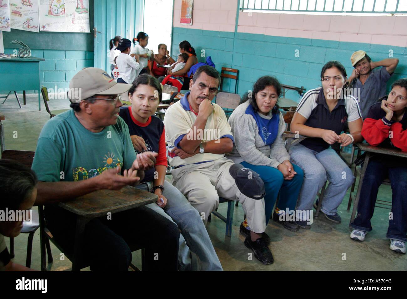 Painet ja1237 venezuela meeting teachers parents primary school village chamiza lara state latin america south 20051001 - Stock Image
