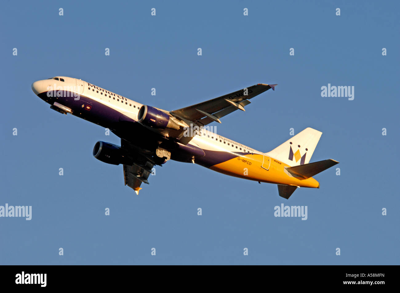 Airbus 320-212 Twin engined Medium haul airliner of Monarch Airlines Ltd.  XAV 4839-454 - Stock Image