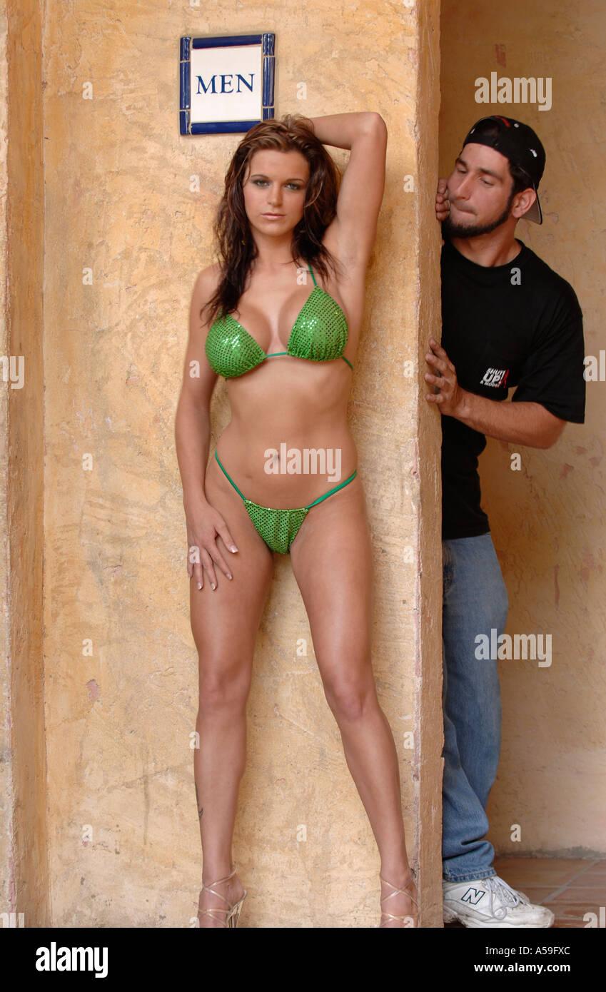 Stock Alamy The Bikini Photo6423787 In Men's Room Outside Girl 6yvbg7Yf