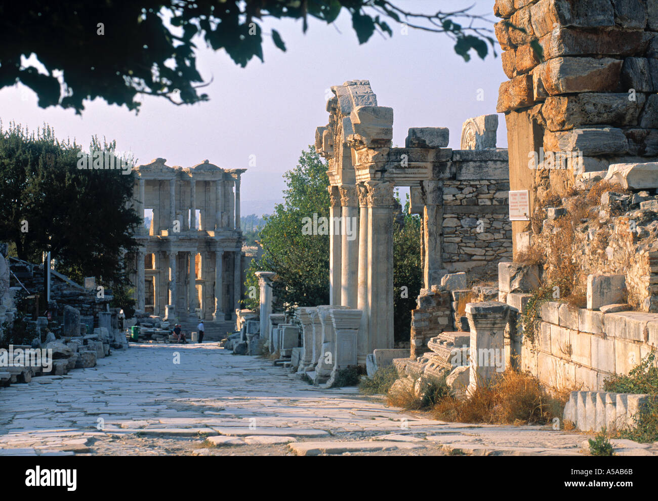 Temple of Hadrian & Celsus Library, Ephesus, Turkey - Stock Image