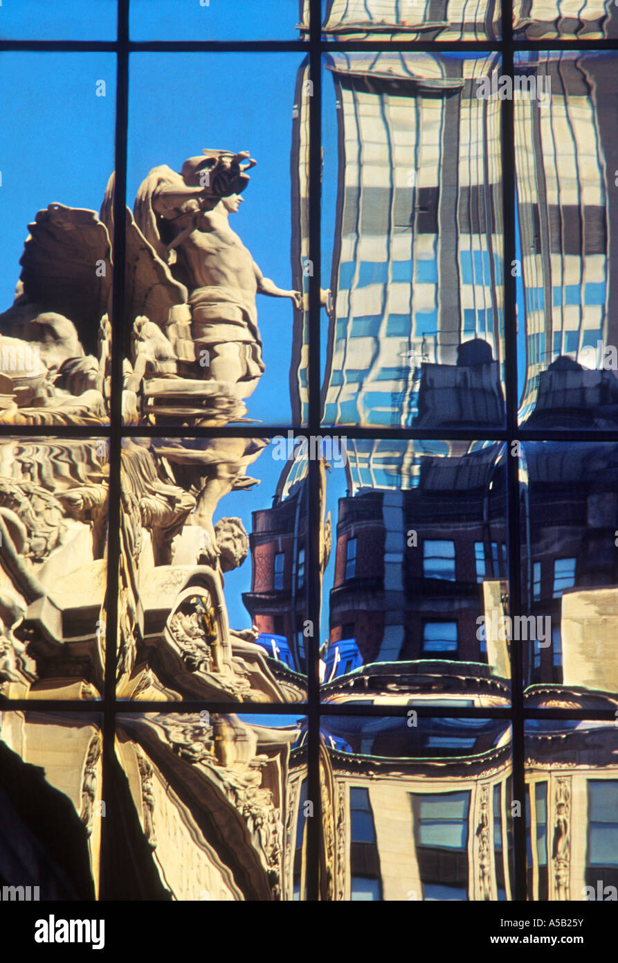 New York City Grand Central Station Exterior Beaux Arts Style Sculpture of Mercury and Clock Reflection USA - Stock Image