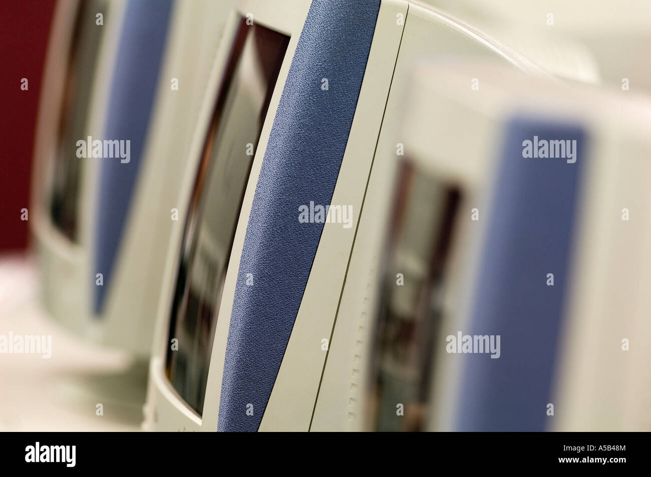Grouping of monitors in computer lab. - Stock Image