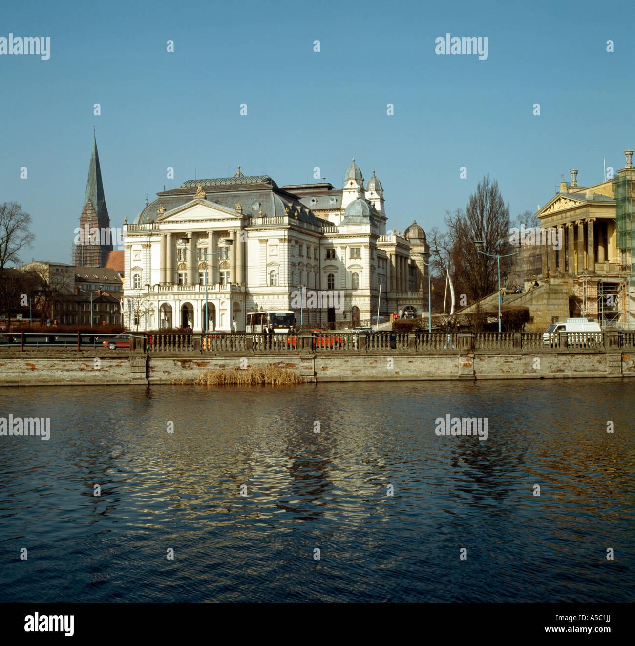Schwerin, Theater, Blick von der Schloßinsel Stock Photo