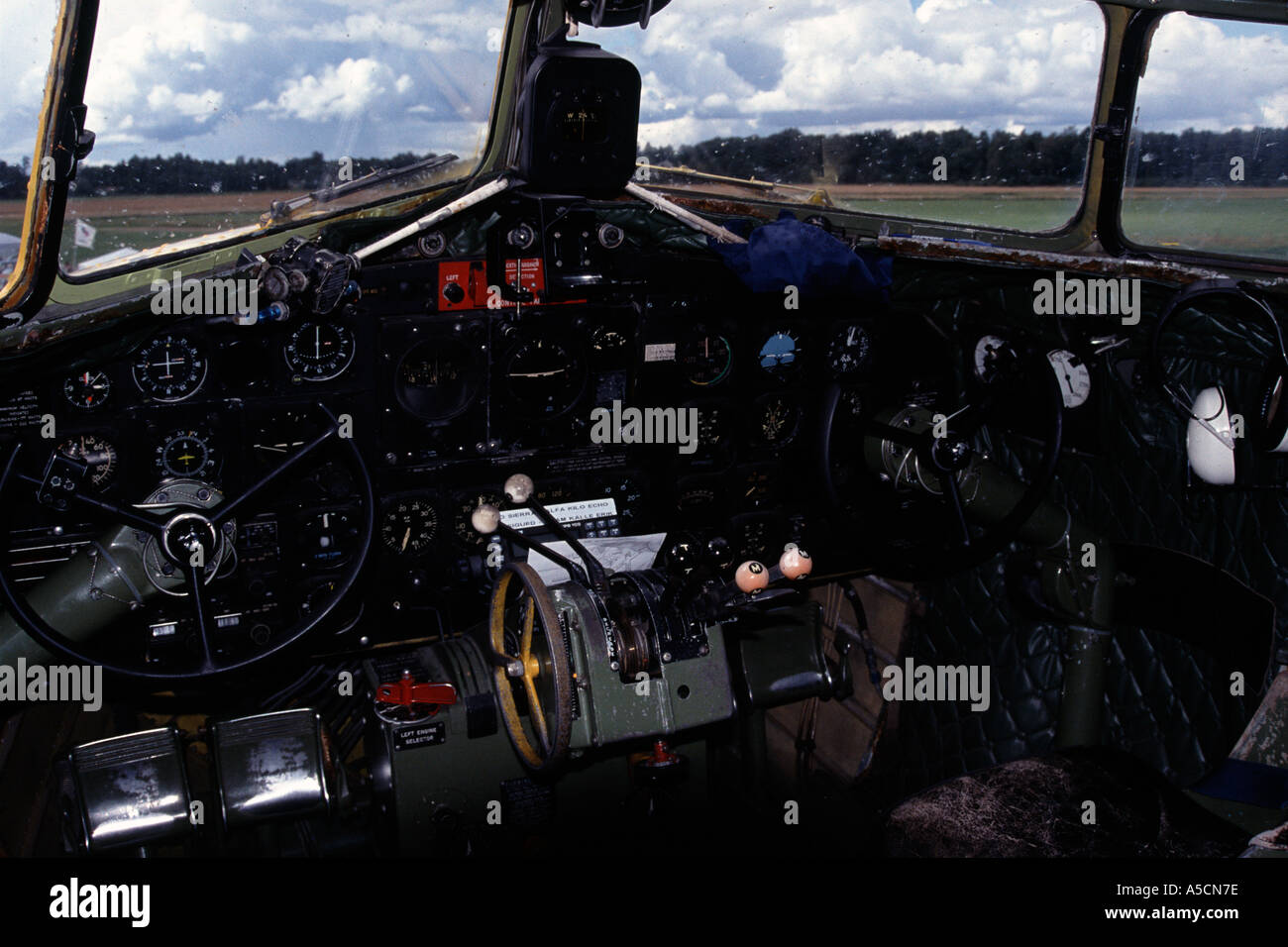 Cockpit in DC3 aircraft - Stock Image
