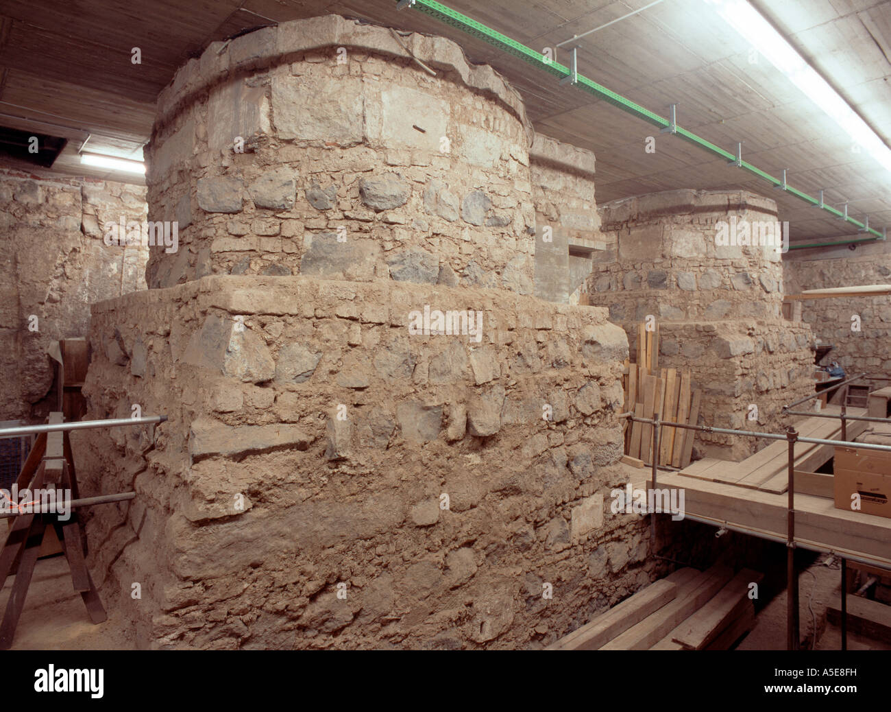 Koln Dom Ausgrabung Fundamente Der Pfeiler Stock Photo Alamy