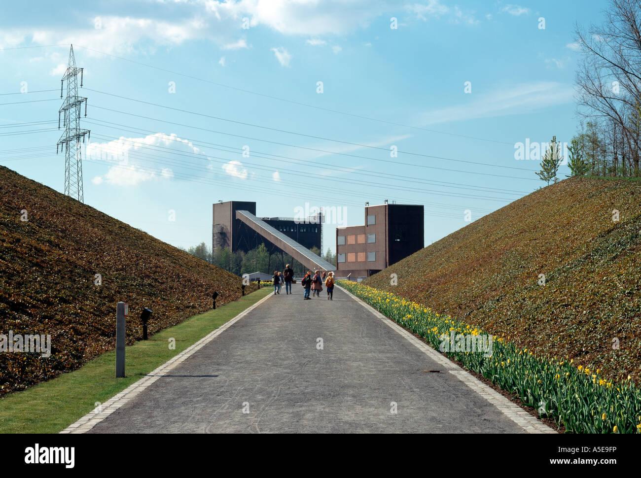 Gelsenkirchen, ehemalige Zeche Nordstern, BUGA 97, Haldendurchbruch mit Kohlenmischanlage Stock Photo