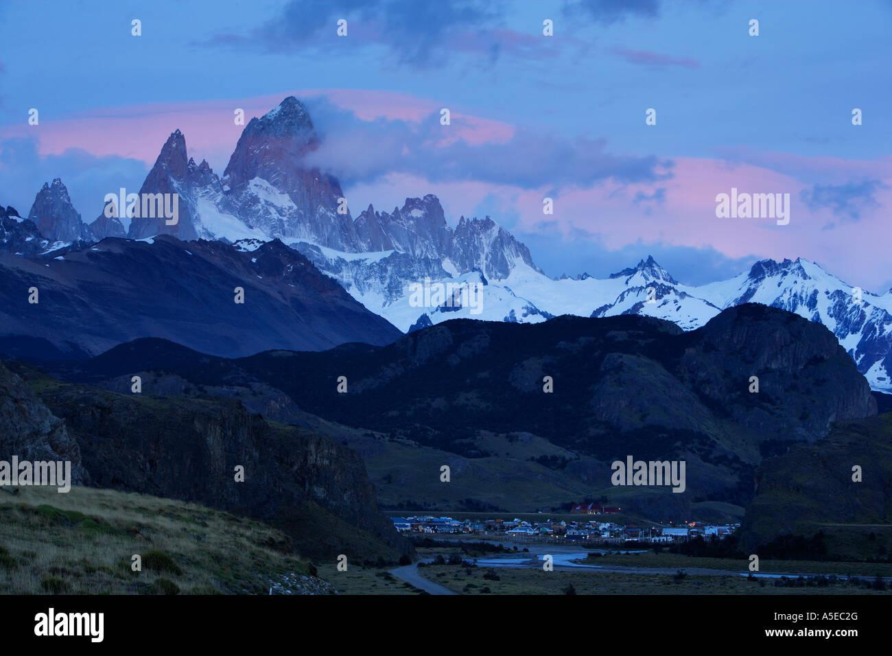 Chalten town below Cerro Fitz Roy or Chalten peak 3405 meters Los Glaciares National Park Patagonia Argentina - Stock Image