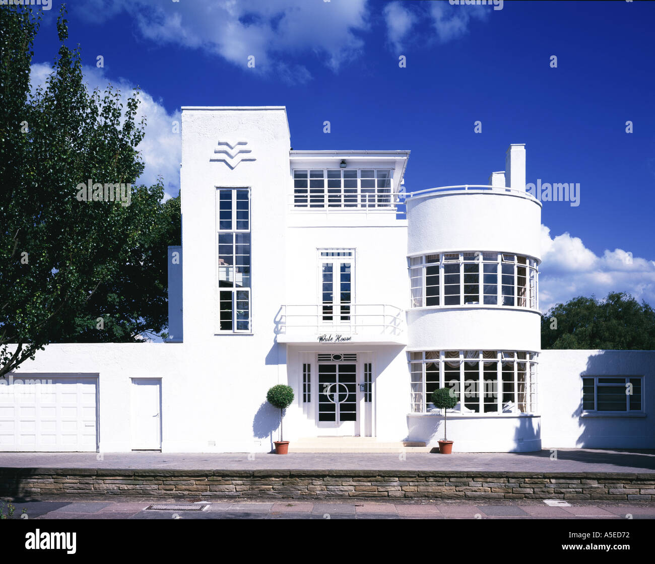 The White House Front Facade Uk 1936 Art Deco Architect Evelyn Stock Photo Alamy