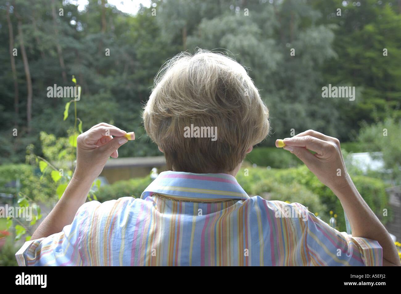 Frau, dehnen, strecken, Arme, Schmerz, Beweglichkeit, Gesundheit, - Stock Image